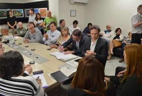 Em reunião no MP, Fred Costa cobra fiscalização de carretas na MG-030