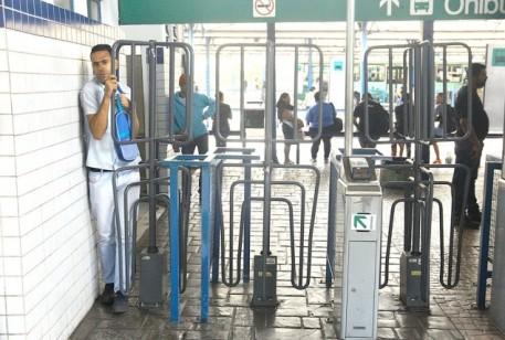 Deputado critica tratamento desumano na Estação BHBus Diamante